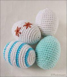 Ravelry: Easter Egg pattern by Anita Volkmann/Photomusen Crochet Robin, Love Crochet, Diy Crochet, Crochet Crafts, Crochet Projects, Sewing Crafts, Easter Egg Pattern, Easter Crochet Patterns, Easter Toys