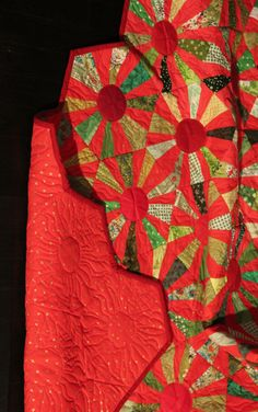 Christmas Hexagon Quilt by Victoria Findlay Wolfe: Quilt Almanac 2012