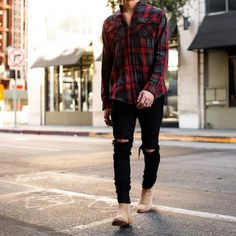 Wearing Stylish Mens Fashion Jackets - Top Fashion For Men Chelsea Boots Outfit, Stylish Mens Fashion, Stylish Mens Outfits, Mens Boots Fashion, Fashion Menswear, Leggings Fashion, Rugged Style, Denim Noir, Sneakers Mode