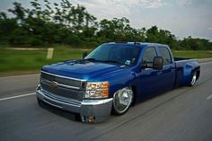Low chevy crewcab dually.