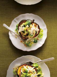 Ricardo& recipe: Tofu, Ricotta and Spinach Stuffed Squash Vegetarian Side Dishes, Best Vegetarian Recipes, Healthy Recipes, Healthy Meals, Healthy Food, Tofu Ricotta, Confort Food, Ricardo Recipe, Veggie Dinner