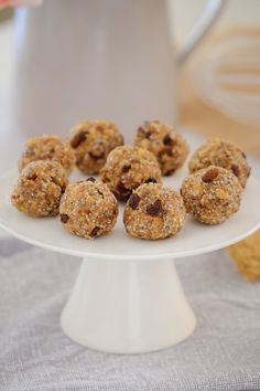 These Healthy Weet-Bix Balls with medjool dates, honey, coconut, chia seeds and sultanas are super easy to make and take only 10 minutes to prepare. A couple of weeks ago, I shared my recipe for Healthy Muffins, Healthy Treats, Healthy Recipes, Healthy Kids, Healthy Biscuits, Healthy Appetizers, Healthy Eating, Lunch Box Recipes, Easy Dinner Recipes