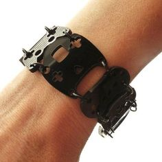 Controller bracelet black with black rings by useyourdigits