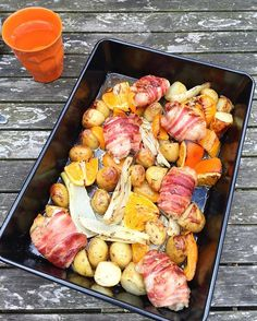 Chicken, orange & fennel traybake. Easy peasy mid-week meal. Very gentle flavours.  In a large baking tray, place 1 orange (chopped into 8 pieces) 1 sliced fennel bulb, 3 handfuls of par boiled small new potatoes, a chopped orange pepper and 6-8 chicken thigh fillets, each wrapped in 2 rashers of pancetta. Season the whole lot and scatter 1 tbsp of fennel seeds over the top. Add a few lugs of olive oil and roast at 200c for about 35-45 mins. We had ours with green beans.  #familyfeasts…