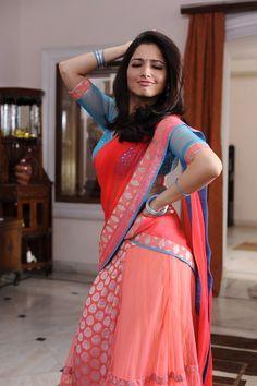 Tammanah Bhatia - South indian beauty in beautiful saree looks so cute South Indian Actress Hot, Indian Actress Photos, Bollywood Actress Hot Photos, Beautiful Bollywood Actress, Most Beautiful Indian Actress, Bollywood Celebrities, Indian Actresses, South Actress, Actress Pics