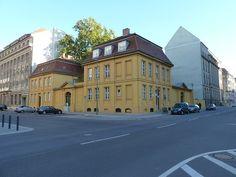 """BERLIN 2011 - Friedrichstadt - Taubenstraße /Kanonierstraße (=Glinkastraße)  - in """"BERLIN früher"""" sieht man, wie's um 1910 da aussah :-)"""