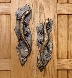 Really love how these lizard door handles are staggered on the doors Old Door Decor, Antique Door Knobs, Entrance Decor, Door Knockers Unique, Door Knobs And Knockers, Decorative Door Knobs, Black Door Handles, Unique Doors, Door Accessories