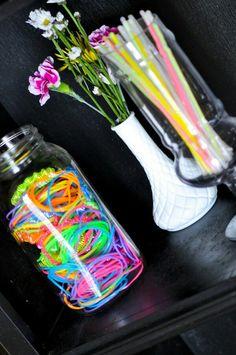 Detalhes decoração festa néon