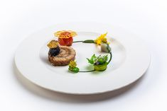 Plates and Platter made by Team Sweden, 3rd place at the Bocuse d'Or Europe 2020 #bocusedor #bocusedoreurope #roadtolyon Bocuse Dor, Sweden, Panna Cotta, Europe, Plates, Tableware, Ethnic Recipes, Food, Licence Plates