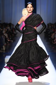Jean Paul Gaultier Fall 2017 Couture Fashion Show Collection