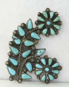 VINTAGE OLD PAWN SOUTHWESTERN STERLING SILVER PETIT PETITE POINT TURQUOISE PIN