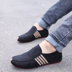 Moccasins Mens, Leather Moccasins, Leather Shoes, Pu Leather, Fashion Shoes, Mens Fashion, Best Shoes For Men, Driving Shoes, Easy Wear