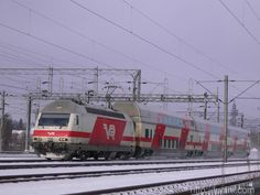 VR EL sr2: funini.com Train, Finland, Strollers