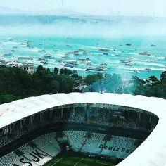 Beşiktaş fans celebrate championship with a Bosphorus flotilla. Black Eagle, Football Stadiums, Real Love, Istanbul, Black And White, City, Celebrities, Instagram Posts, Outdoor Decor
