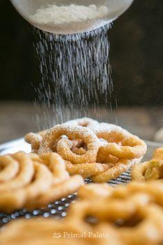 Gluten-free Boardwalk Funnel Cakes made with Otto's Naturals Cassava Flour Alton Brown, Gluten Free Treats, Gluten Free Cakes, Gluten Free Desserts, Paleo Sweets, Paleo Dessert, Healthy Desserts, Healthy Eats, Sin Gluten