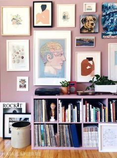 5 Reasons why the colorful gallery wall trend is so popular right now - Daily Dream Decor Inspiration Wand, Interior Inspiration, Farrow Ball, Dream Decor, Living Room Decor, Living Rooms, Home Decor, Create, Colour