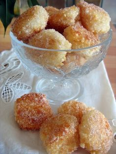 Delicious Japanese pearls to die for -.: The spicy plate:. Beignets, Sweet Recipes, Cake Recipes, Dessert Recipes, Biscuit Cookies, Cupcake Cookies, Desserts With Biscuits, Fingerfood Party, Party Finger Foods