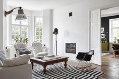 Une maison très black & white en Suède - FrenchyFancy