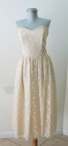 cream lace vintage strapless wedding dress by thevintagecloset, $225.00