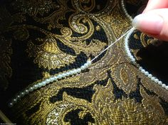 How to Apply Pearls and Beads in Smooth Lines http://germanrenaissance.net/how-to-apply-pearls-and-beads-in-smooth-lines/