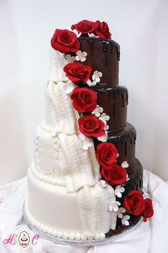 11 His and Her Wedding Cakes When You Just Can't Decide 7 - https://www.facebook.com/different.solutions.page