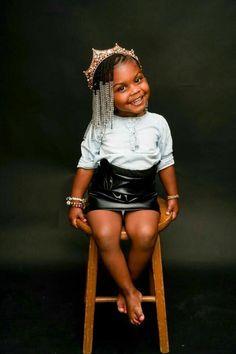 Craving more? ➡ Queen♚fσℓℓσω мє fσя мσяє ρσρριи ριиѕ ❥ she is absolutely soo beautiful Cute Black Babies, Beautiful Black Babies, Black Kids, Cute Baby Girl, Beautiful Children, Cute Babies, Baby Baby, Cute Kids Fashion, Baby Girl Fashion