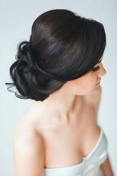 coiffure mariage cheveux long - chignon décoiffé sur le côté