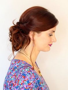 What's the Difference Between a Bun and a Chignon? - How to Do a Chignon Bun – Easy Chignon Hair Tutorial - The Trending Hairstyle Easy Curly Updo, Easy Chignon, Easy Updos For Long Hair, Messy Updo, High Bun Hairstyles, Super Easy Hairstyles, Simple Wedding Hairstyles, Bridal Hairstyles, Updo Hairstyle