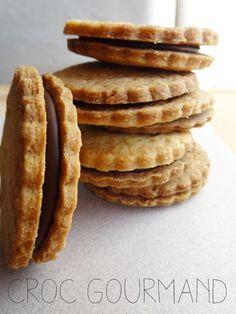 Vous êtes nombreux à me demander de réaliser la réplique des biscuits de grande surface! Alors pour vous faire plaisir je partage avec vous la recette des fameux Prince de Lu® !! Une recette simple, facile