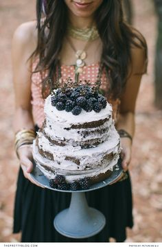Amazing alternative wedding cake idea!! | Photography: Picture me & u