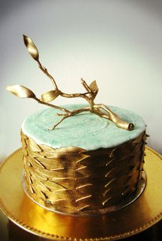 Mint + Gold Driftwood Cake by Connie Cupcake