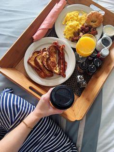 Trip Down South! Best Breakfast, Healthy Breakfast Recipes, Romantic Breakfast, Birthday Breakfast For Husband, Breakfast Platter, Food Cravings, Food Photography, Food Porn, Food And Drink
