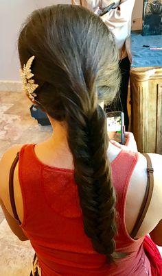 #fishtail #braid #brunette #weddingstylist #bridalhair #weddinghair #bride #hairpin #texas #austin Hairpin, Fishtail, Bridal Hair, Wedding Hairstyles, Nova, Braids, Texas, Dreadlocks, Hair Styles