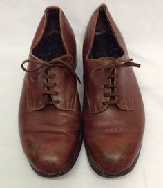 WW2 Auxiliary Territorial Service (ATS) Shoes, SIZE 6.     Stamped in the shoe.    SHORTEN ARMES LTD  1945   On sole  M 6   Broad Arrow