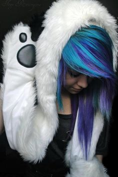 Want hair stle and dye!