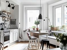 discover the location of the decor: small space