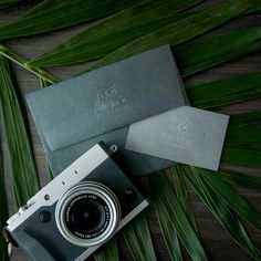 We help you create gorgeous branded stationery for your business 📸⠀ What do you guys think of this #camera logo?  ⠀ #photography #photographer #logo #embossed #embosser #embossing