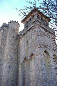 l'église fortifiée d'Inières. Sainte-Radegonde. Midi-Pyrénées