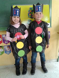 Diy Crafts For Kids, Art For Kids, Recycled Costumes, Carnival Crafts, Transportation Crafts, Costume Carnaval, Preschool Art Activities, Creative Halloween Costumes, Pre School