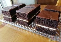 Kakaový koláček s meruňkovou marmeládou Kefir, Tiramisu, Cheesecake, Candy, Chocolate, Ethnic Recipes, Food, Hampers, Author