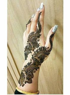 just so ya know i saved this Arabian Mehndi Design, Mehndi Design Images, Mehndi Art Designs, Beautiful Mehndi Design, Henna Tattoo Designs, Bridal Mehndi Designs, Mehndi Tattoo, Henna Mehndi, Arabic Mehndi