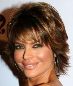 Simple And Pretty Look Style Medium Hairstyles For Women Over 50
