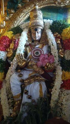 Shiva Statue, Madurai, God Pictures, Indian Gods, Deities, Spirituality, Goddess Lakshmi, Clarity, Temple