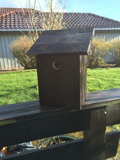 Enkel fuglekasse hull Bird, Outdoor Decor, House, Design, Home Decor, Decoration Home, Room Decor, Birds, Haus