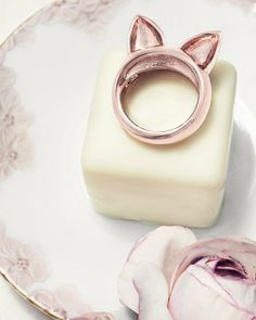 meow. kitty ring