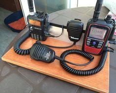 Mis equipos portátiles: Kenwood TH-F7 e Icom ID-51E.
