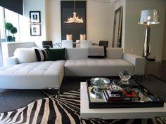 tapis de salon moderne zébré et mobilier design