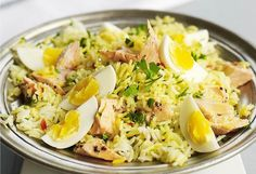 The Indian -style breakfast is a wonderful brunch to share with friends and family.    https://easyrecipes.kitchen/recipe/delicious-salmon-kedgeree/  #IndianBreakfast #IndianSalmon #SalmonKedgeree