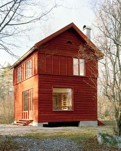 "Nothing much on the eyes, not much drama indoors but THIS Is Exactly the I'm dreaming of! Think about it, find an old Barn & rebuilding a simple unique absolutely! ""General Architecture: summer house in Arboga"" Timber Structure, Swedish House, Swedish Cottage, Cabins And Cottages, Wooden House, Little Houses, Cabana, Tiny House, Farm House"
