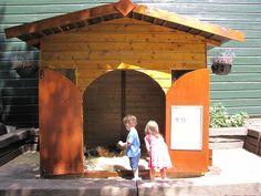 Neem een kijkje in het cavia huis in Stadsboederij het BuitenBeest.